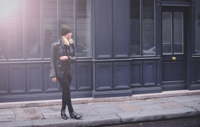 Liza Chloe Dutch blogger Amsterdam boots leather jacket beanie