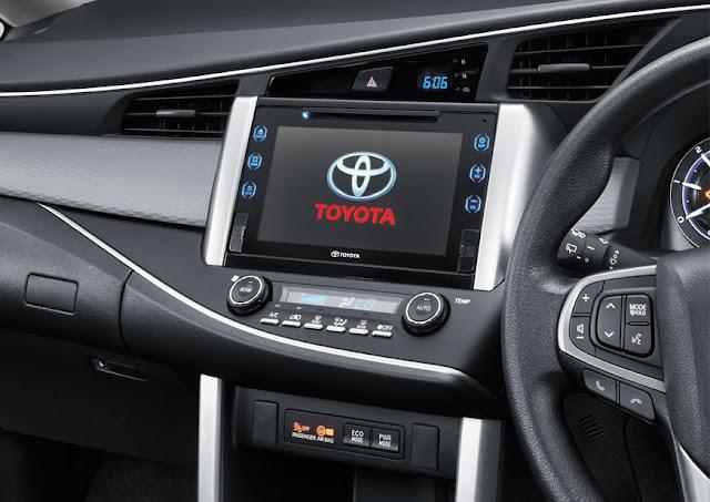 toyota-innova-touchsreen 2016 டொயோட்டா இன்னோவா எம்பிவி கார் அறிமுகம் - Toyota Innova
