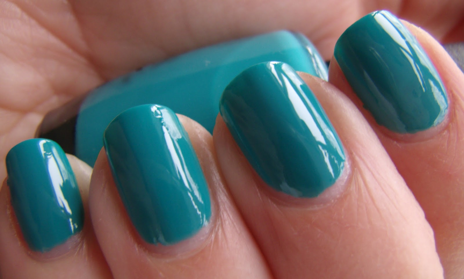 This Polish Is Sooooo Perfect It That Fabulous Creme Jelly Hybrid Formula Glides On So Easily And Shiny