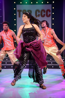 Actress Charmi Kaur  Dance Performance on Stage at CCCup 2013 Launch  0010.jpg