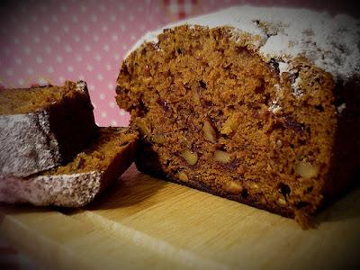 Ореховый кекс с финиками
