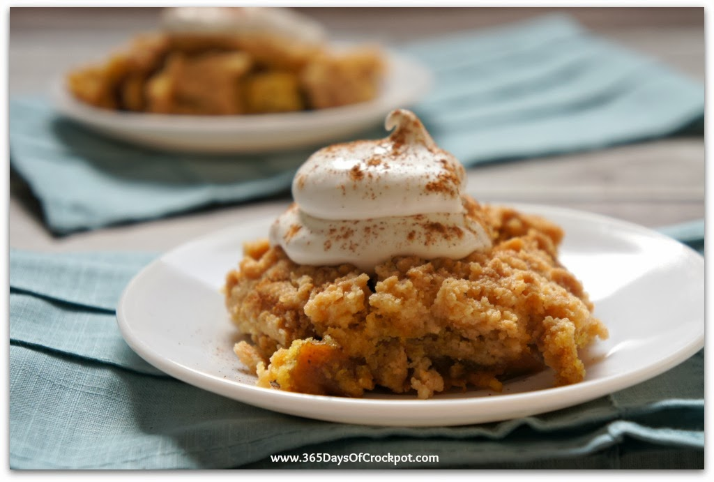 Recipe for Slow Cooker Pumpkin Dump Cake #crockpot #slowcooker #pumpkin
