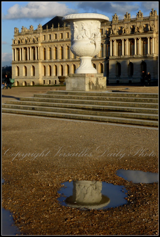 Puddle reflection château de Versailles