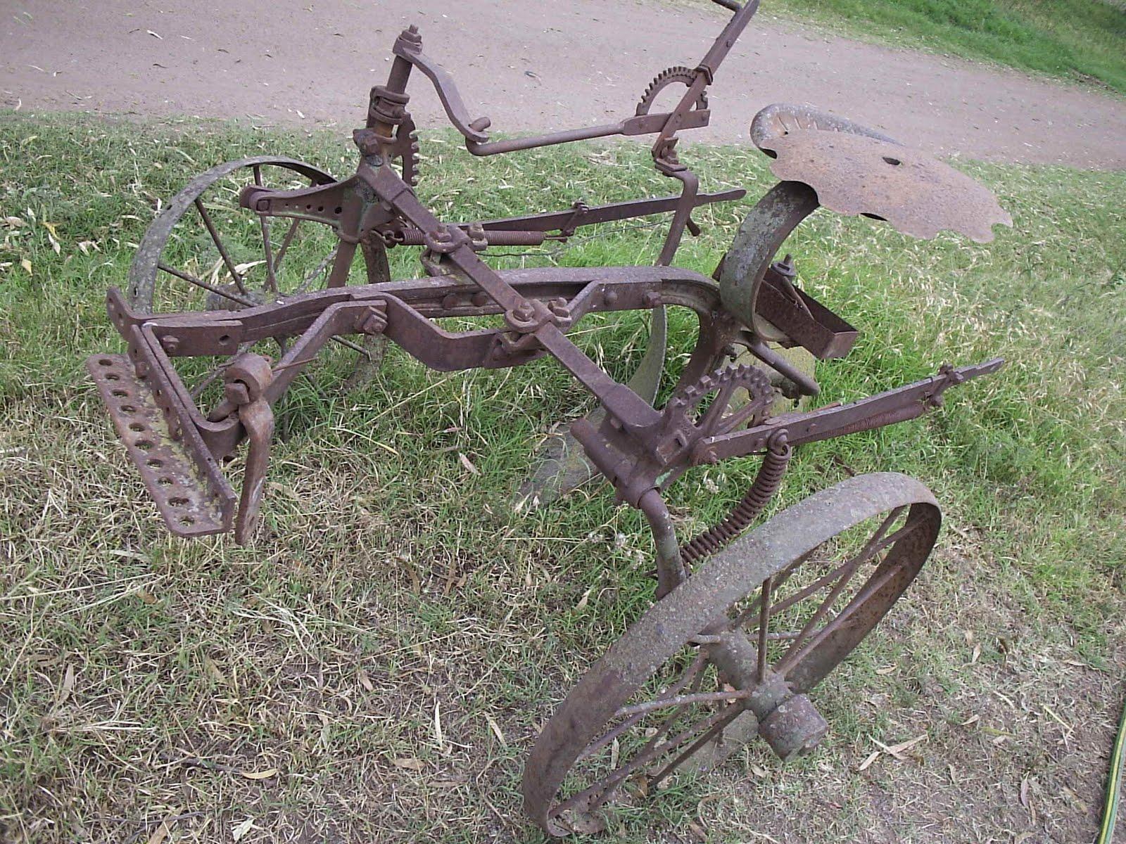 Rumbo al centenario de 12 de octubre herramientas antiguas - Herramientas de campo antiguas ...