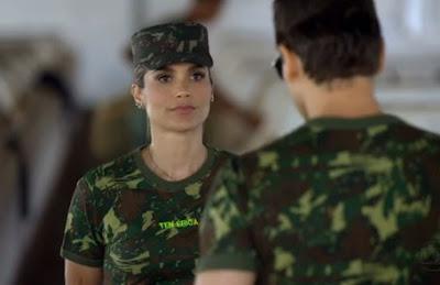Tenente Érica da novela Salve Jorge