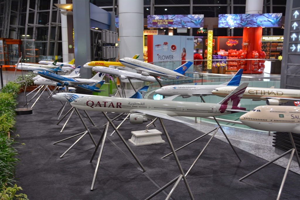 KL Airport miniature planes