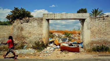 Stolen Futures – Οι Πολίτες της «Χώρας του Ποτέ»