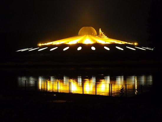 UFO or Wat Phra Dhammakaya