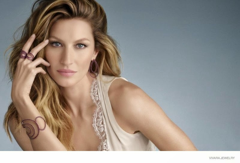 Gisele Bundchen poses for Vivara Jewellery's Christmas 2014 Campaign