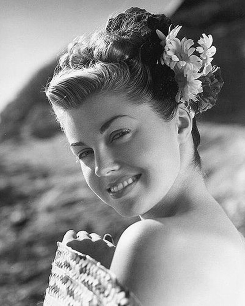 http://2.bp.blogspot.com/-K3FkTaBvCPk/UbD01_P8UDI/AAAAAAAC8ME/jn8q0wMaRZo/s1600/esther-williams-07.jpg