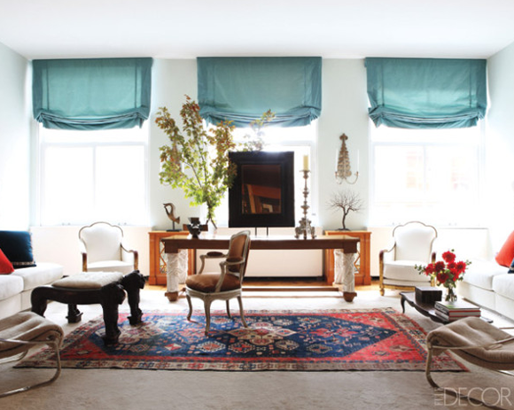 The little house in the city december 2012 for Persian rug living room ideas