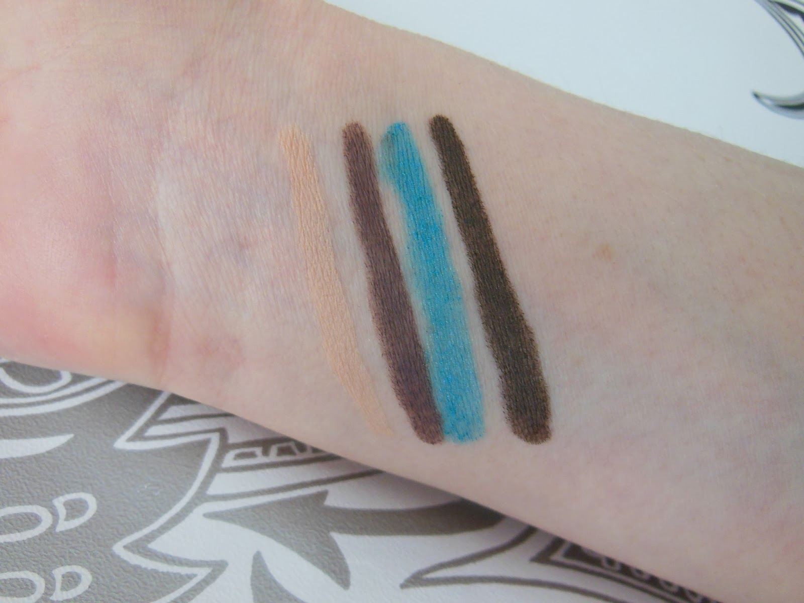 Kiko life in rio collection creamy touch eyeshadow duo pencil swatches