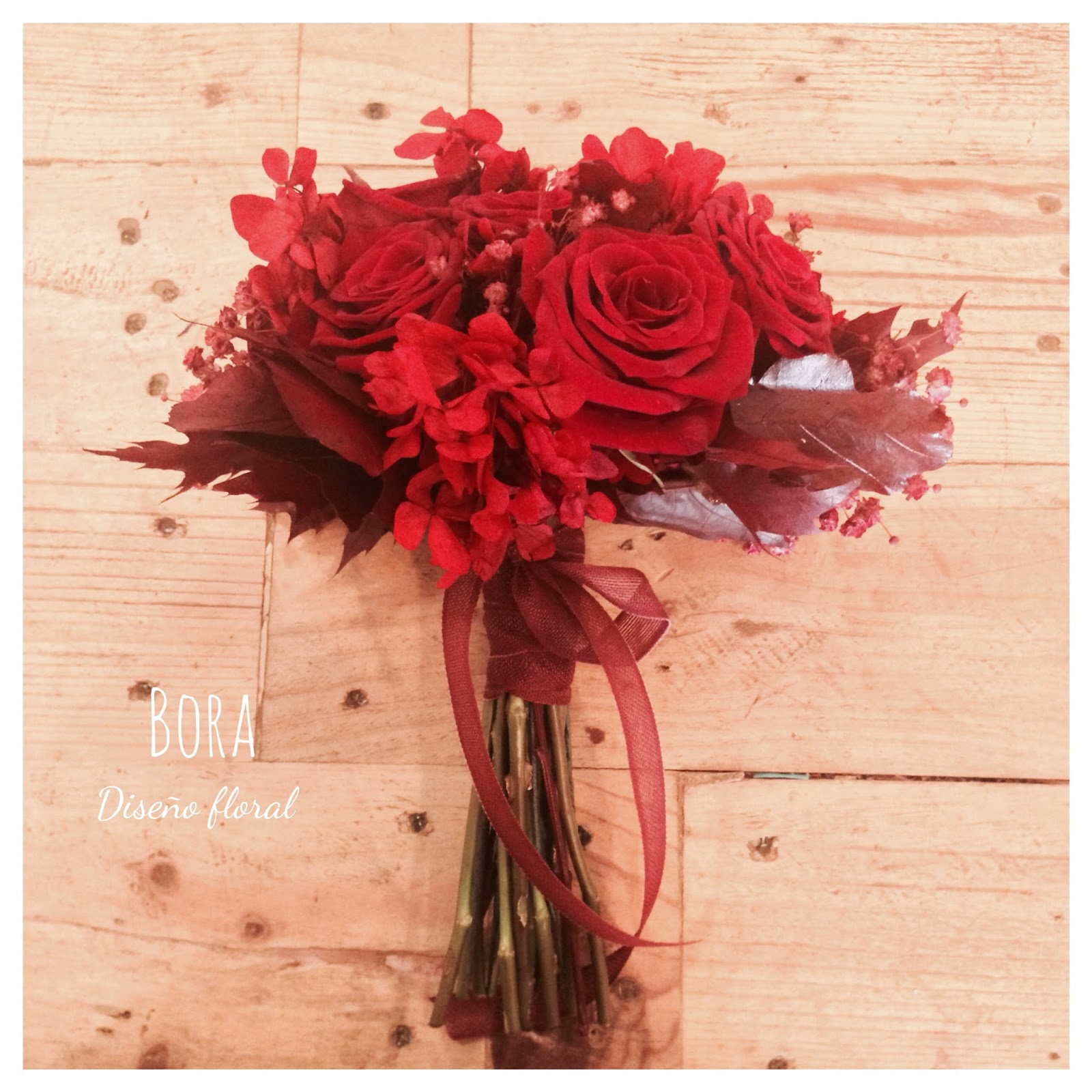 Ramos De Novia Rojos Latest Ramo Tipo Bouquet Con Rosas De Tacto