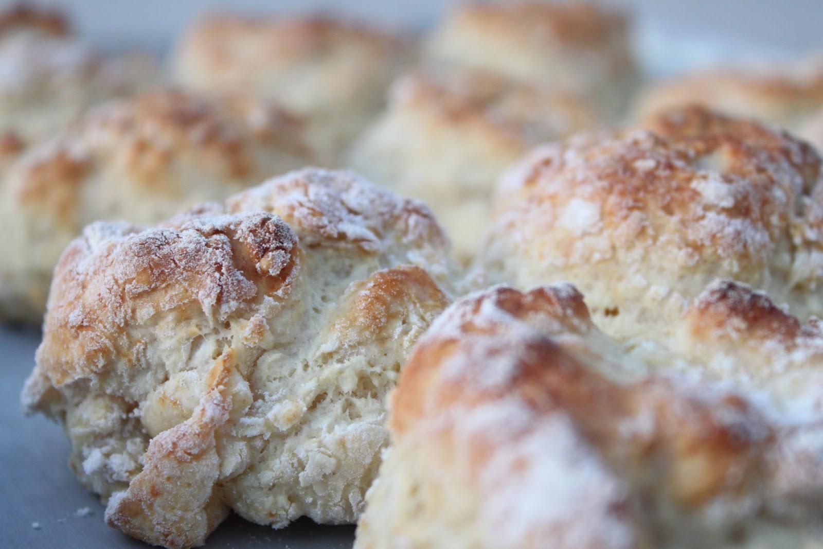 A Bountiful Kitchen: Sour Cream Biscuits