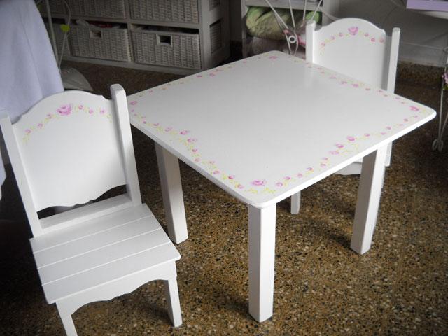 Mesas y sillas infantiles para nenas muebles infantiles for Mesa y silla infantil