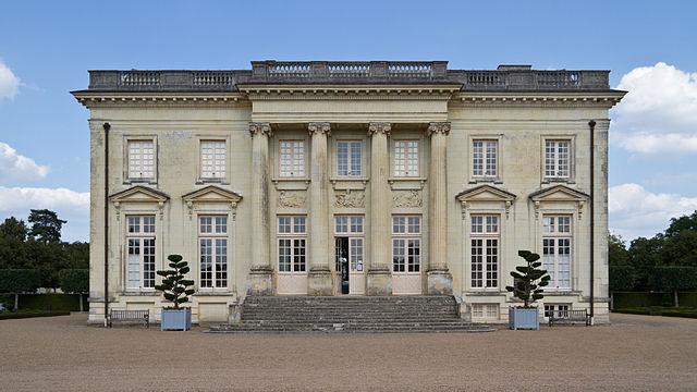 «Château de Pignerolle (Eusebius)» par © Guillaume Piolle/. Sous licence CC BY 3.0 via Wikimedia Commons - http://commons.wikimedia.org/wiki/File:Ch%C3%A2teau_de_Pignerolle_(Eusebius).jpg#/media/File:Ch%C3%A2teau_de_Pignerolle_(Eusebius).jpg