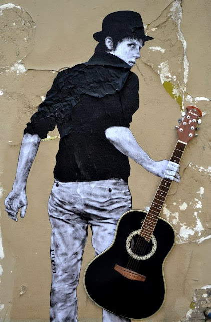 """Orphee"" New Street Art Installation By Levalet on the streets of Paris, France. 2"