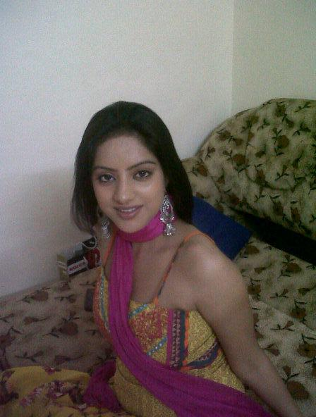 Deepika Singh nude hand