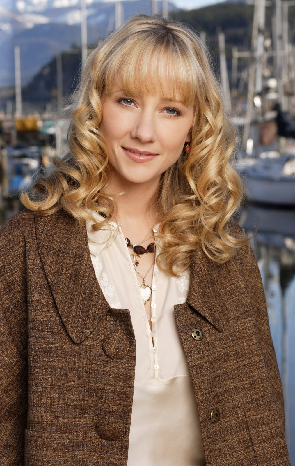 Actress Anne Heche - American Profile