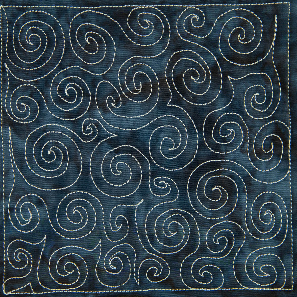 The free motion quilting project day 5 basic spiral for Quilting templates free