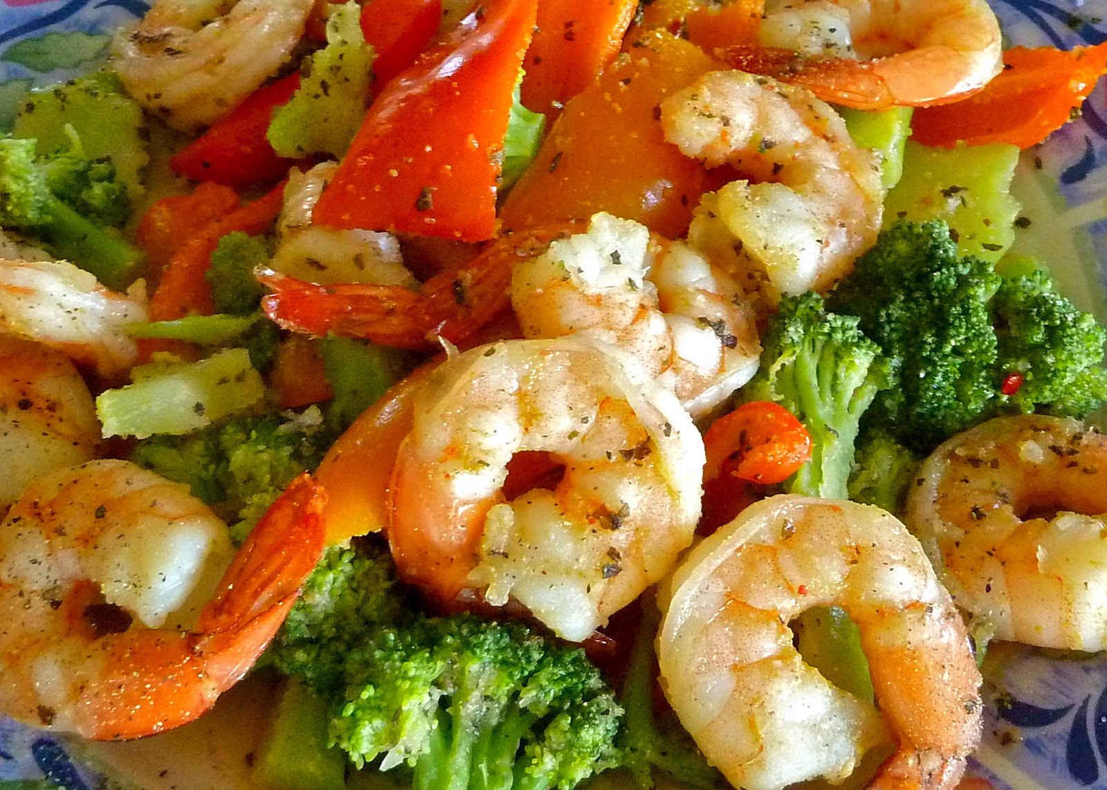 hCG feedback, hCG results, shrimp diner, seafood recipe, human chorionic gonadotropin, onions, broccoli, red peppers and orange peppers, seasoning