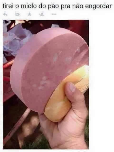 Humor: tirei o miolo do pão para não engordar!