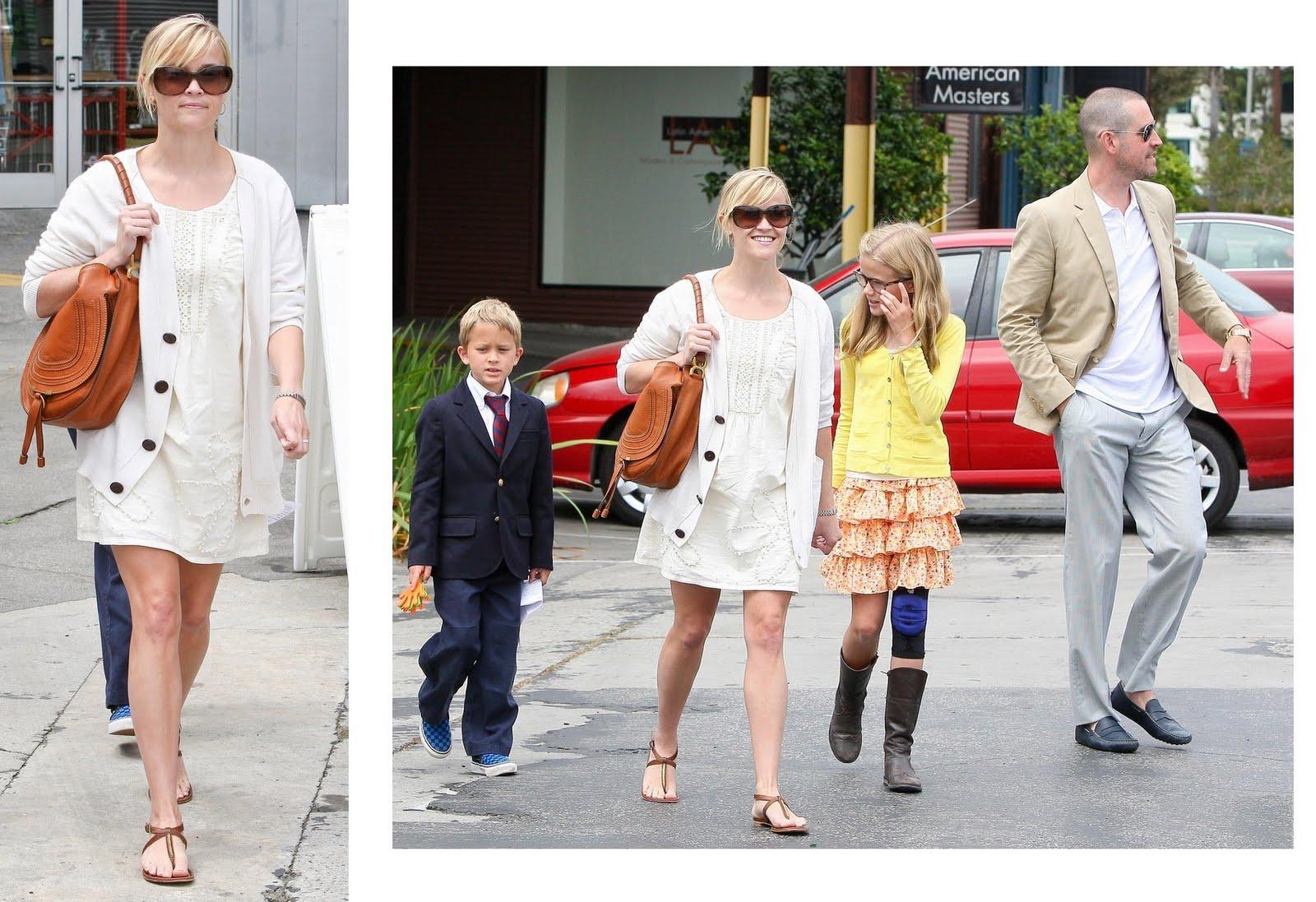 http://2.bp.blogspot.com/-K4cIpzNEPSc/TbZQwdFTBTI/AAAAAAAAFqk/XtsfjyCwi_w/s1600/Reese+Witherspoon+Sandals+on+Easter.jpg