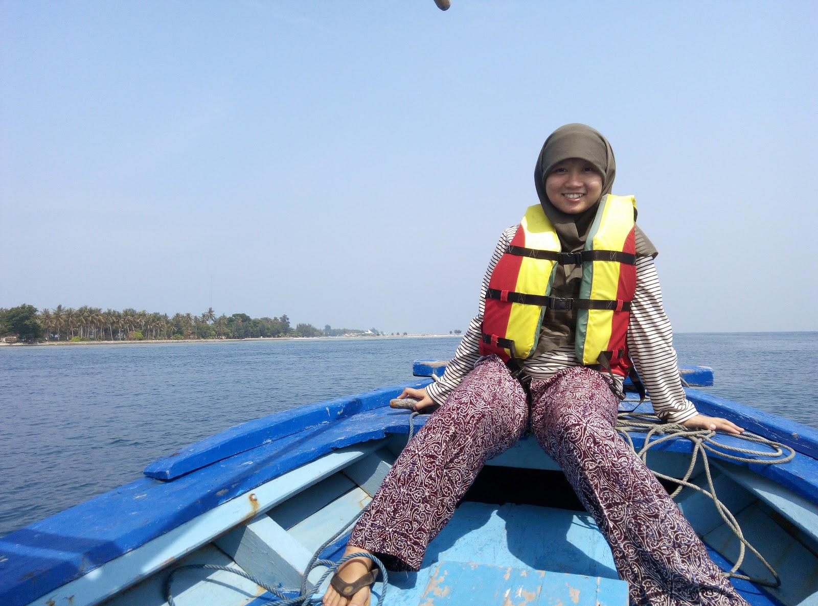 Kapal Snorkeling di Pulau Tidung