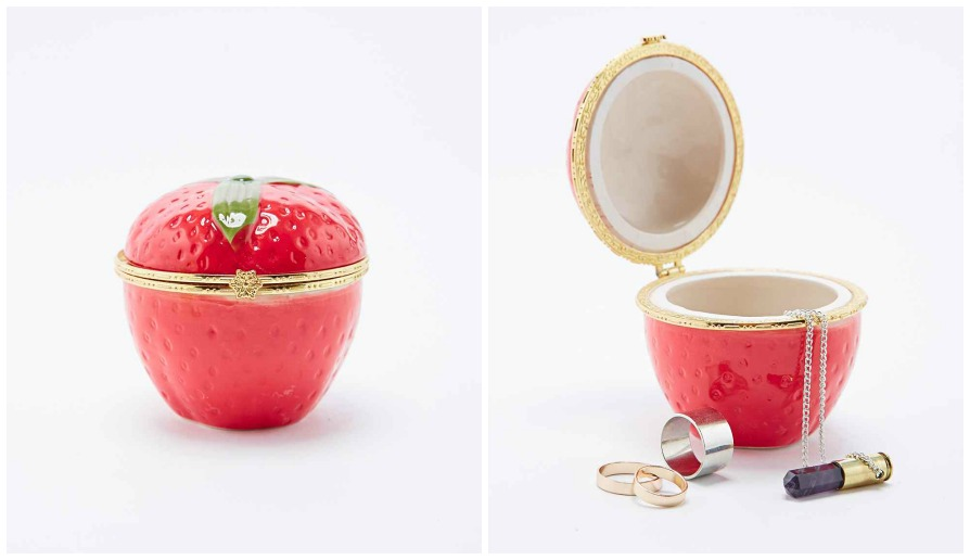 http://www.urbanoutfitters.com/uk/catalog/productdetail.jsp?id=5559428640010&parentid=DECORATIVE-ACCESSORIES-EU#/