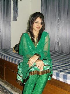 Bangladehsi Beautiful 20+ Cute Model Girl Photos Collection