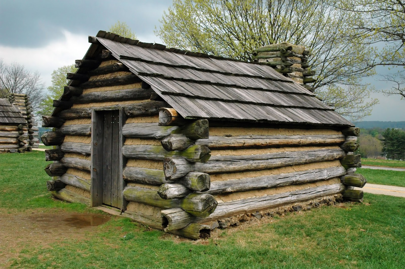 North Park Lincoln >> Old European culture: Log cabin