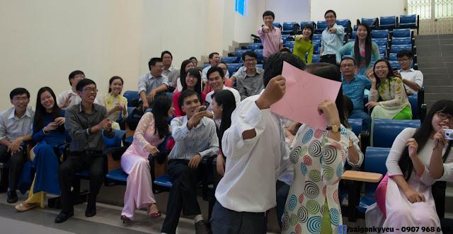 Khi sinh viên tỏ tình thông qua kỷ yếu lớp