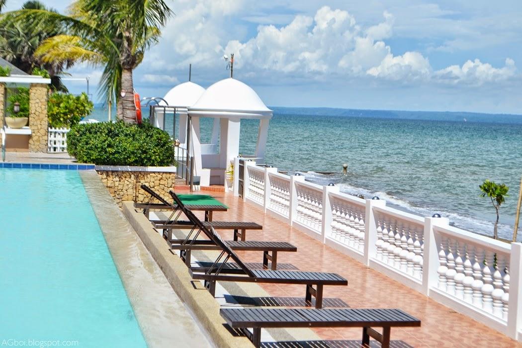 Cafe Ilonggo Bearland Paradise Resort
