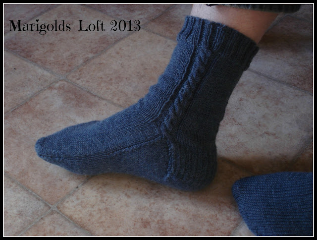 Free sock pattern with cable