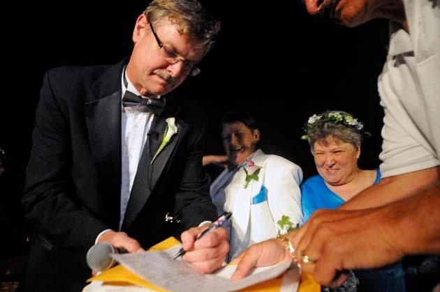 La Asamblea de Nueva York aprueba el matrimonio gay
