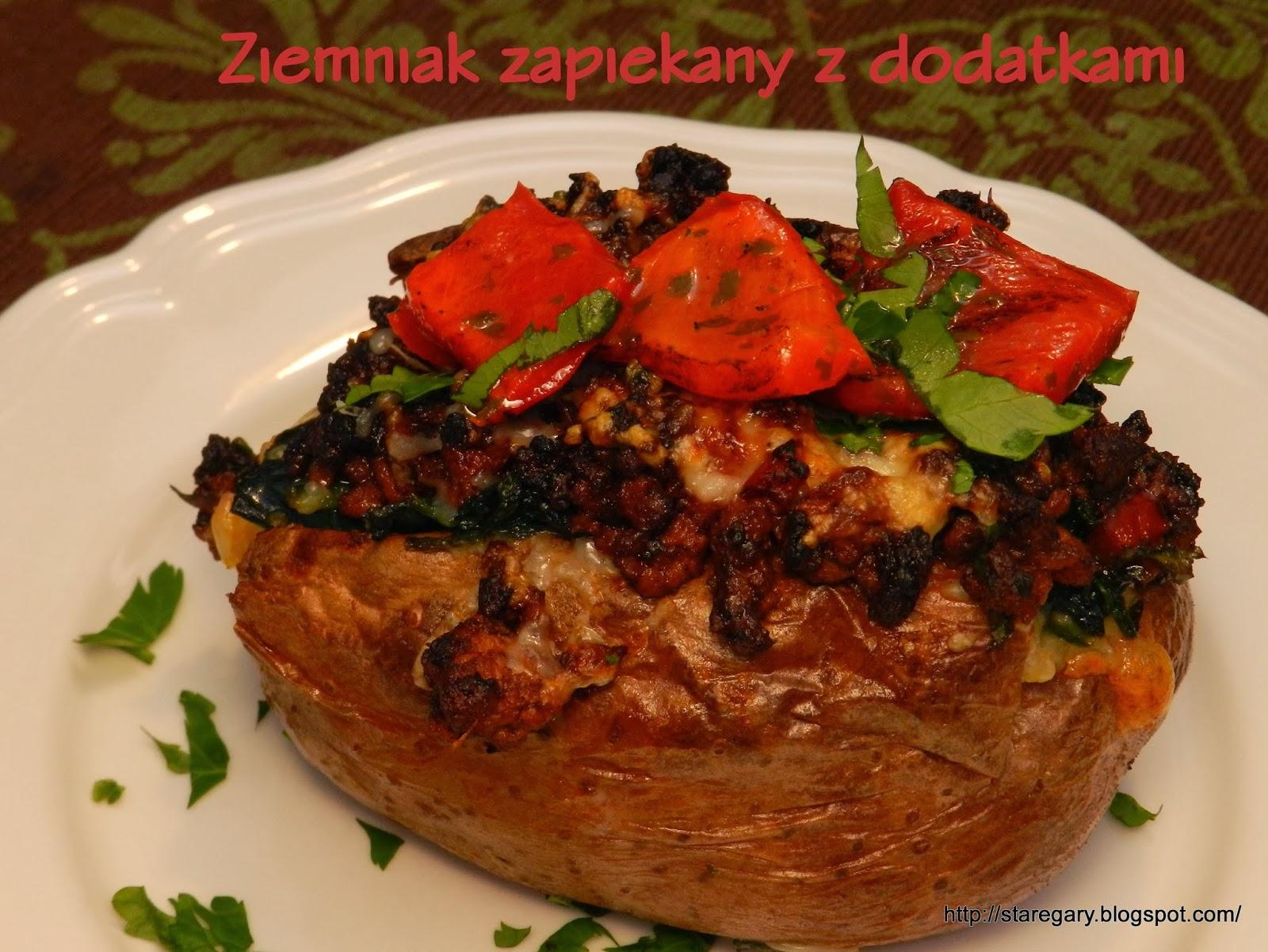 Ziemniak zapiekany z dodatkami czyli prawie kumpir