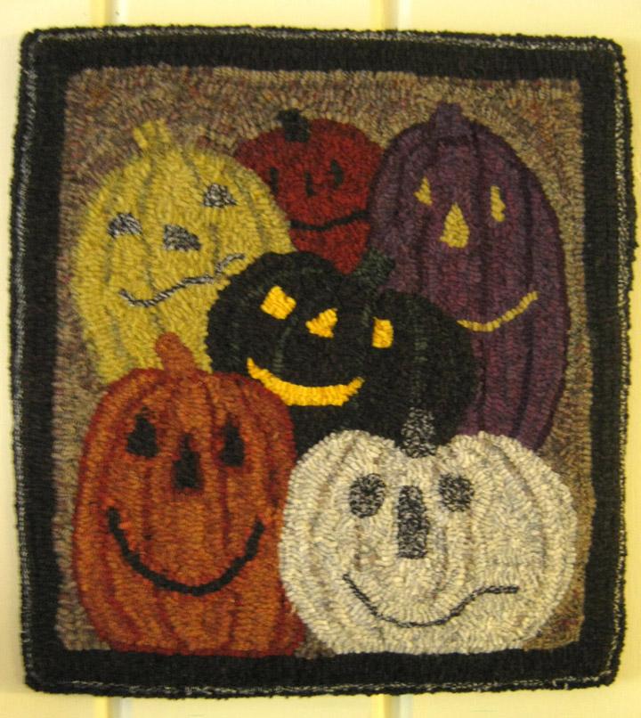 ORANGE SINK: Halloween Rug Now On EBAY