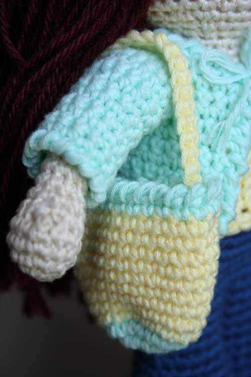 Borsa bambola amigurumi con borsetta