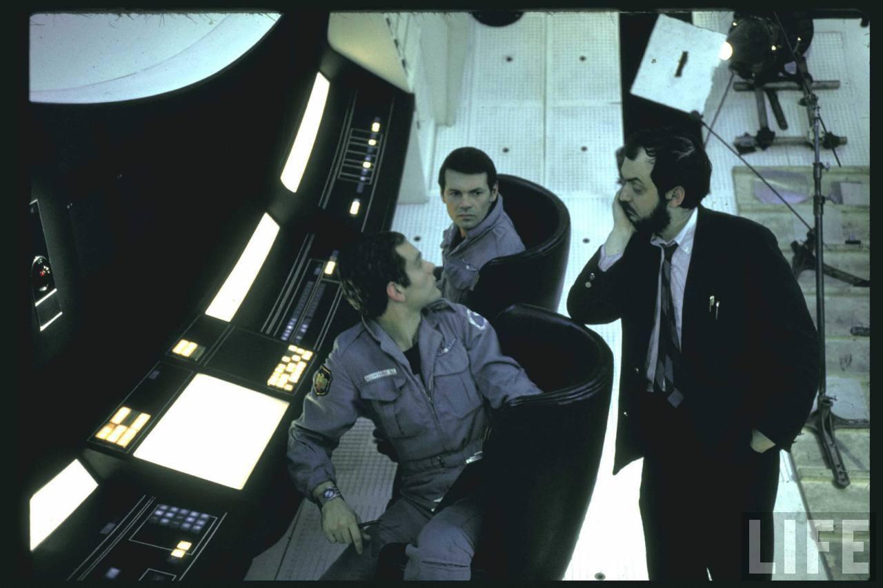 http://2.bp.blogspot.com/-K6WeJrcOEnU/T-mq2qLfacI/AAAAAAAAJwI/IggaIMJpt5w/s1600/2001-A-Space-Odyssey-1.jpg