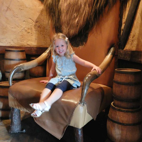 Sweet Turtle Soup: [Aria's Disney Birthday Trip] Disney Trip #19, Day 2 - Whispering Canyon Ranch & MVMCP