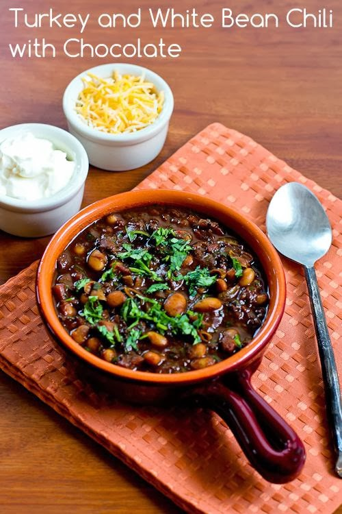 Turkey and white bean chili with chocolate