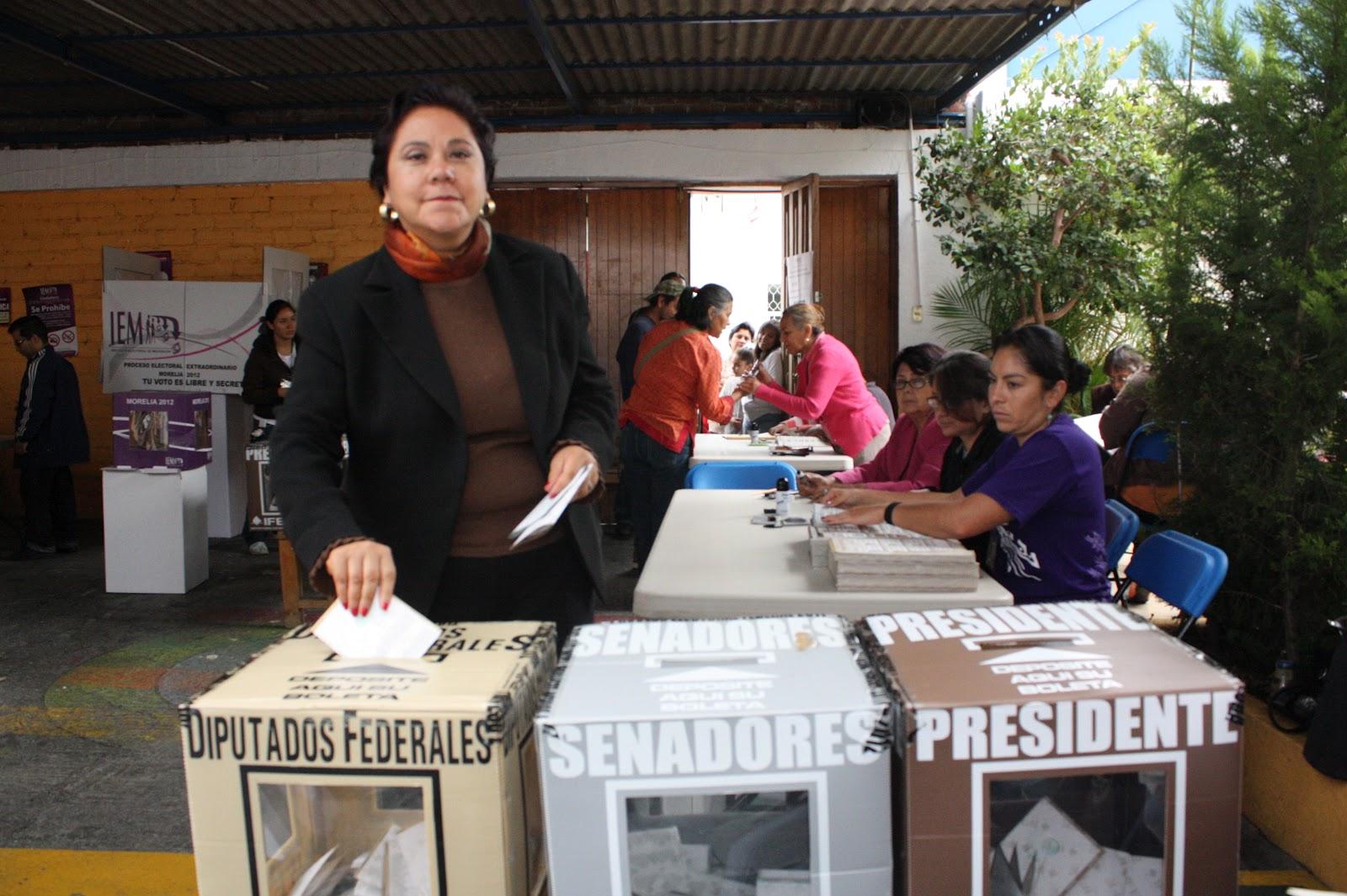 Rocio-Pineda-votando