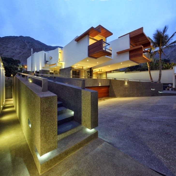 Facade lights on Extreme modern house by Longhi Architects
