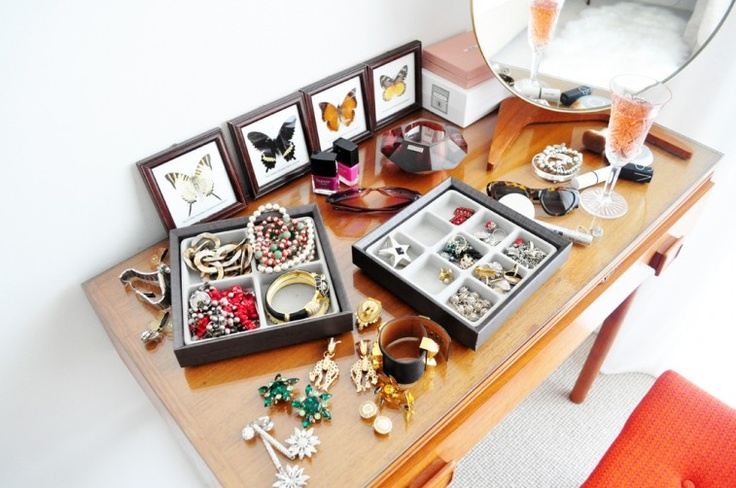 jewelry-display-ideas-for-home