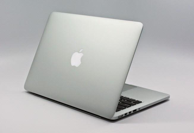 gambar apa bedanya perbedaan antara laptop notebook dan macbook
