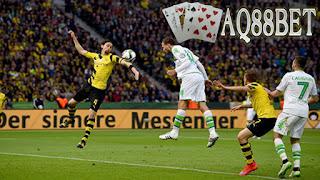 Liputan Bola - Borussia Dortmund menelan kekalahan 1-3 dari VfL Wolfsburg di final DFB-Pokal. Juergen Klopp pun harus menerima kenyataan laga pamungkasnya melatih Dortmund diakhiri dengan hasil tak menyenangkan.