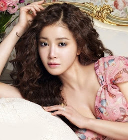 9) Lee Si Young