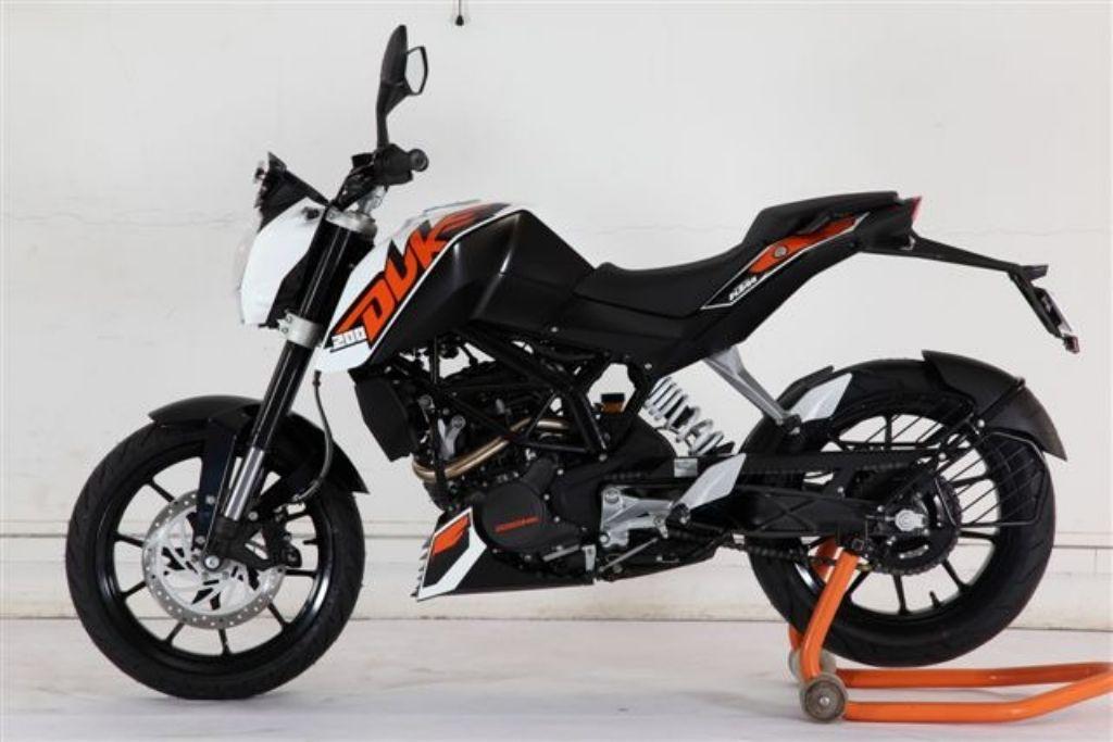 Bajaj KTM Duke 200