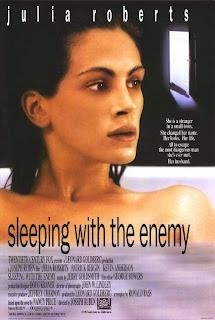 Durmiendo con su enemigo<br><span class='font12 dBlock'><i>(Sleeping with the Enemy)</i></span>
