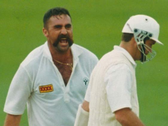 viSHNu's Personal Blog: Cricket Sledging Pictures
